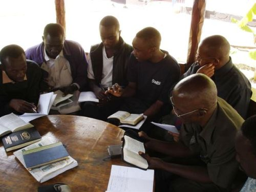 Bible study in Nairobi banda